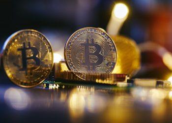 Grayscale plans to apply to turn Bitcoin fund into spot ETF