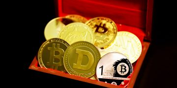 Crypto records market cap of $2.7 trillion